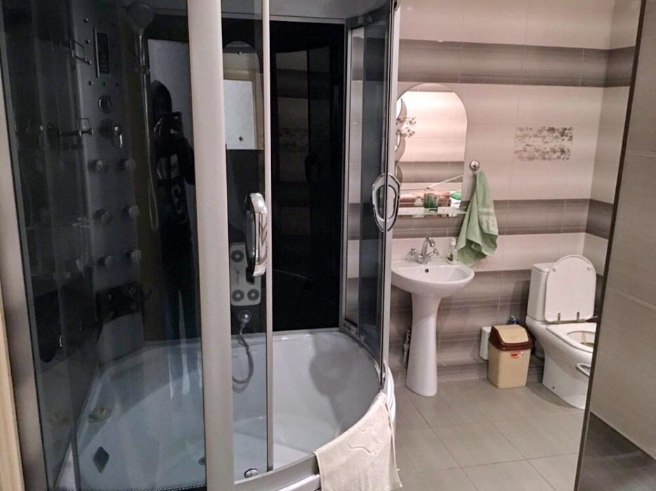 продажа многокомнатной квартиры номер A-111745 в Приморском районе, фото номер 8
